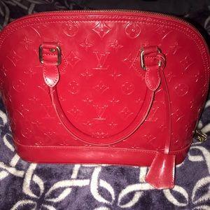 LouisVuitton alma cherry bbmonogram vernis leather